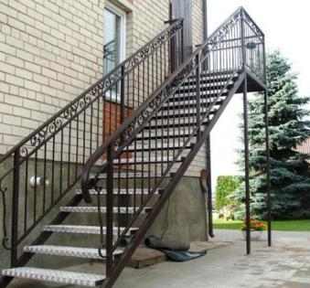Уличная лестница №17